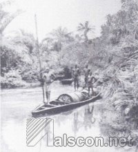 Transporting palm oil from the interior. (Source: QIM archives)