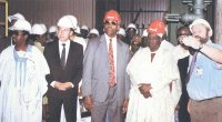 On a site inpection in September 1993: (left) A.V.M. Nura Iman (rtd.), former ALSCON Chairman and Minister of Power and Steel; Arnulf Lokenhoff; Chief Don Etiebet; Alh. Hassan Adamu (Waklin Adamawa); and Peter Waschka, General Manager of ALSCON